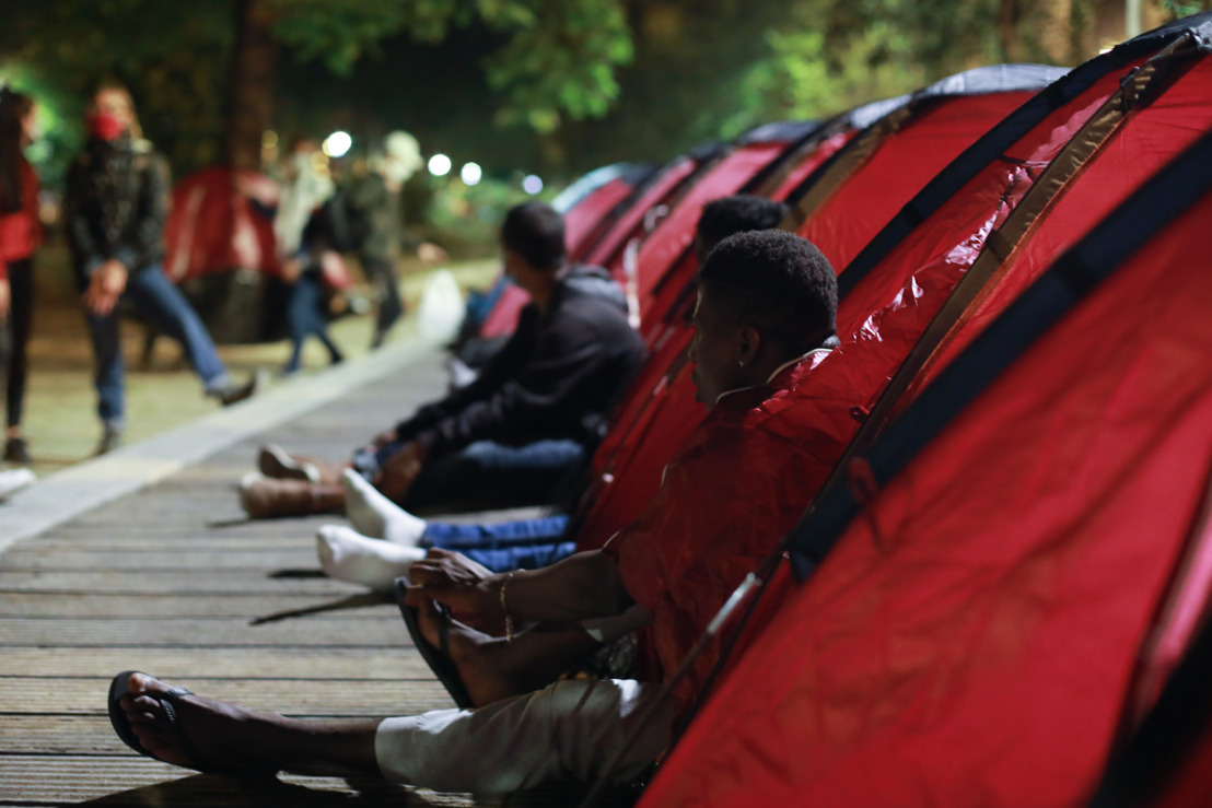 France: MSF set up camp in central Paris for abandoned unaccompanied minors