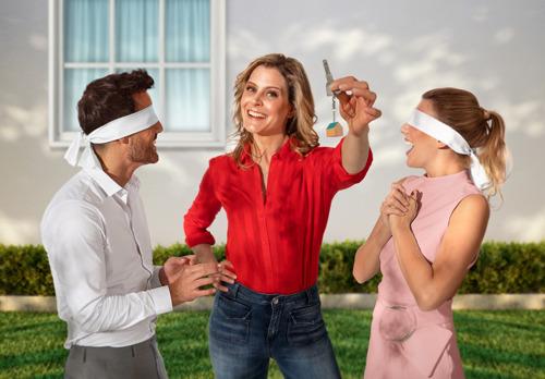Dina Tersago bezegelt woonlot van 6 koppels in nieuw woonprogramma Blind Gekocht