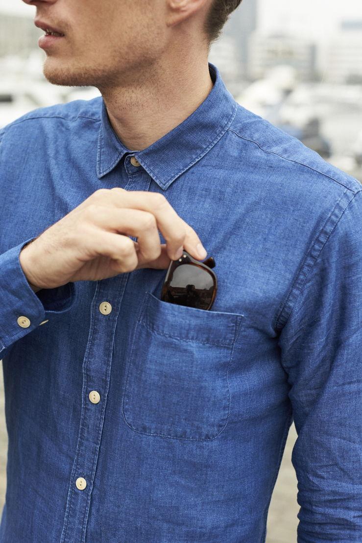 Wolk_Jasper Shirt (Linen)_Washed Indigo_detail_€135.jpg