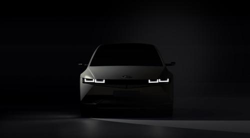 Hyundai pubblica le prime immagini di IONIQ 5