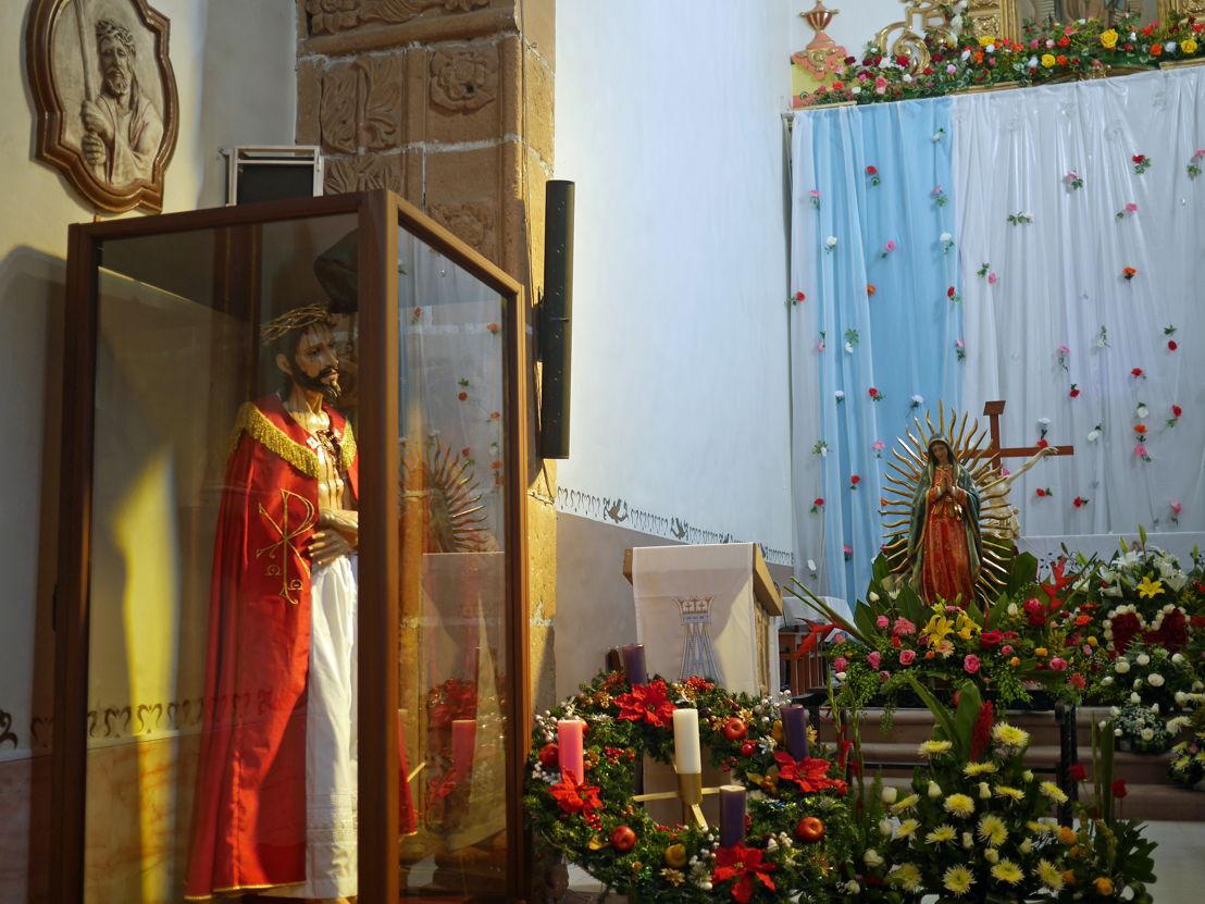 Interior de la Parroquia de Santa María de Guadalupe en Mixquiahuala, Hidalgo
