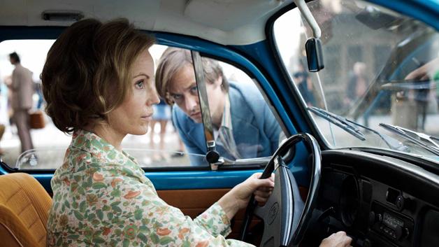 The Same Sky: Lars Weber (Tom Schilling), Lauren Faber (Sofia Helin) - (c) Betafilm