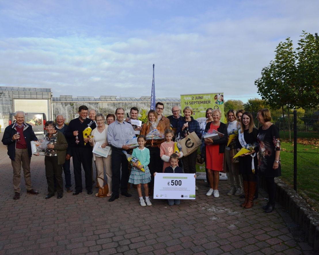 Groepsfoto met de winnaars van de Zomerzoektocht
