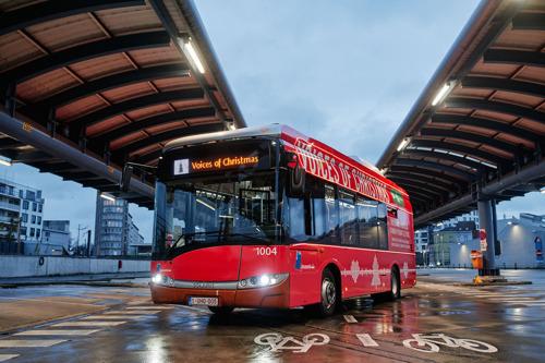 MIVB-bus zingt kerstwensen in Brussel