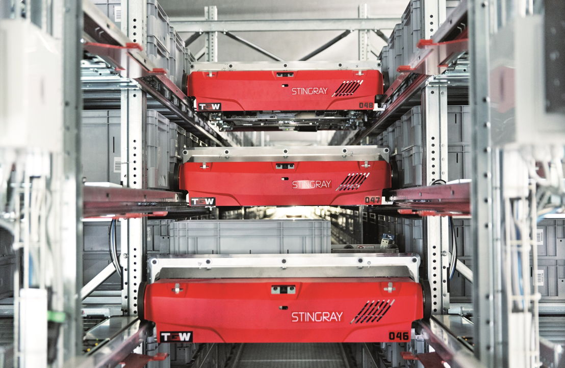 The flexible, intelligent KingDrive® conveyors provide high-speed transport of the goods at industry leading operational costs with low maintenance and high-energy efficient components across the installation.
