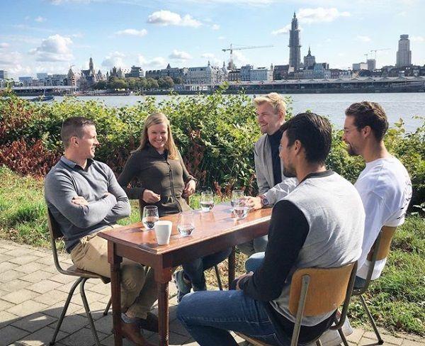 Dirk Van Tichelt, Jolien D'Hoore, Ruben Van Gucht, Pieter Timmers en Simon Gougnard op Linkeroever.