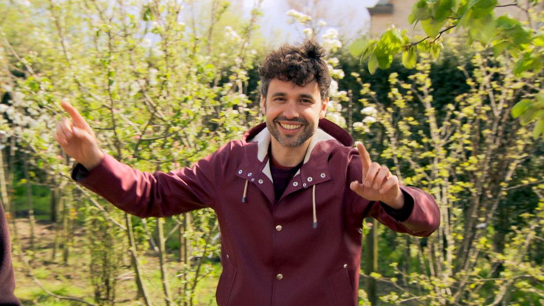 Jan en Thomas leggen een tuin aan voor geen geld<br/>Voor hetzelfde geld (c) VRT