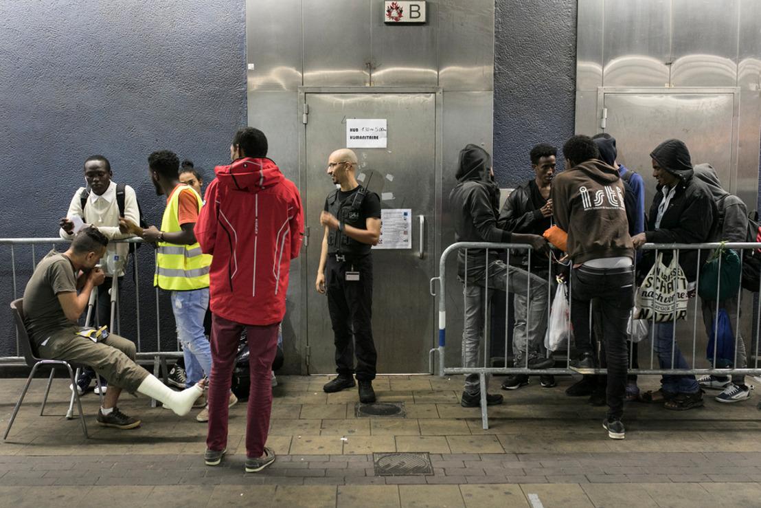 """Rapport MSF sur les migrants au hub humanitaire à Bruxelles : """"Une fuite sans fin"""""""