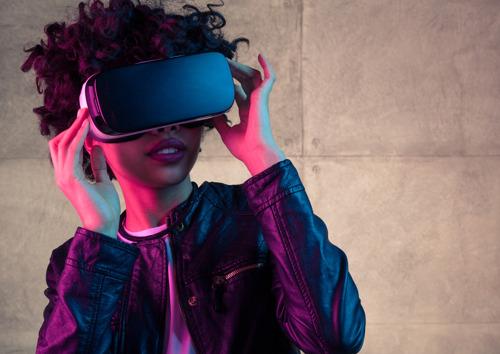 De vraag van de consument naar meer verpersoonlijking en technologische vooruitgang drijft innovatie in de entertainment- en media industrie