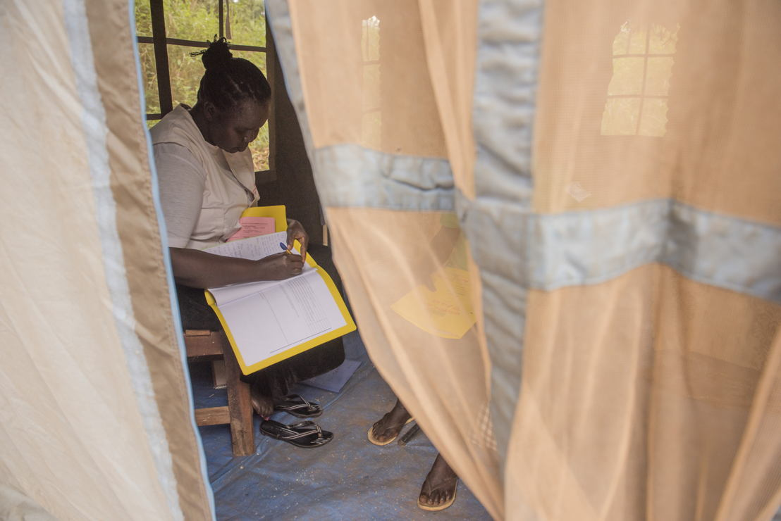 An MSF counselor has a consultation meeting with an HIV patient at an MSF mobile clinic in Bodo, a village just outside Yambio, in Gbudwe State, South Sudan.