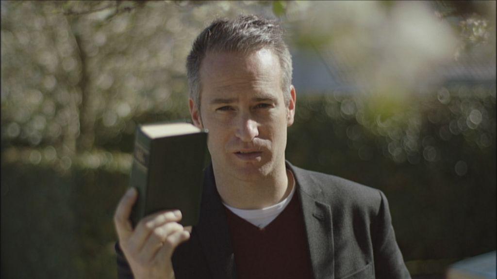 Man over Bijbel