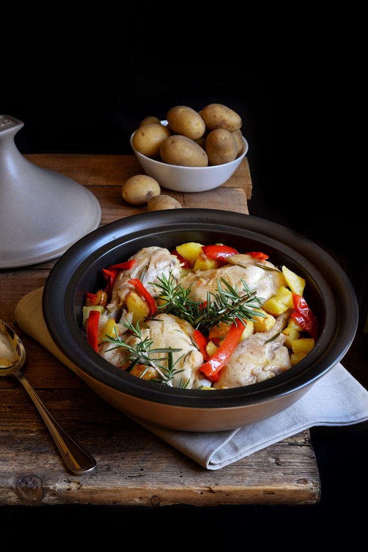 Pollo con patate e peperoni