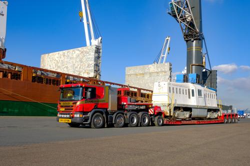 Goud Transport transporteert historische Whitcomb locomotief voor SGB museum