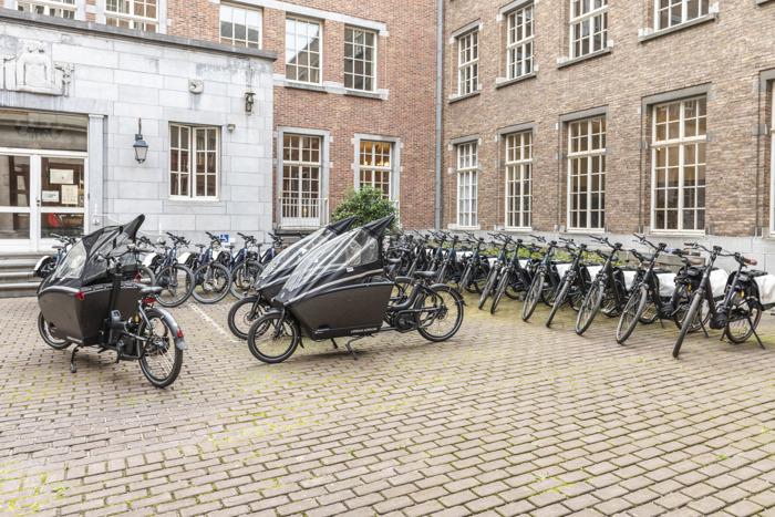 Preview: De Testkaravaan van de Provincie Oost-Vlaanderen houdt halt bij eigen medewerkers
