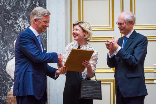 Kunstwetenschapper Barbara Baert ontvangt de prestigieuze Francqui-prijs 2016 uit de handen van Zijne Majesteit de Koning