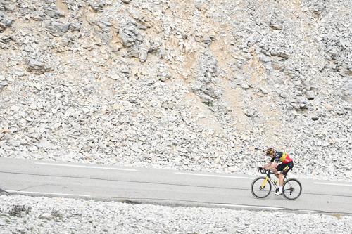 Onze man in de Tour: fotograaf David Stockman volgt de Ronde van Frankrijk op de motor