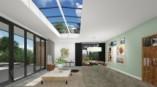 La plus grande fenêtre de toit plat réunit lumière naturelle et artificielle