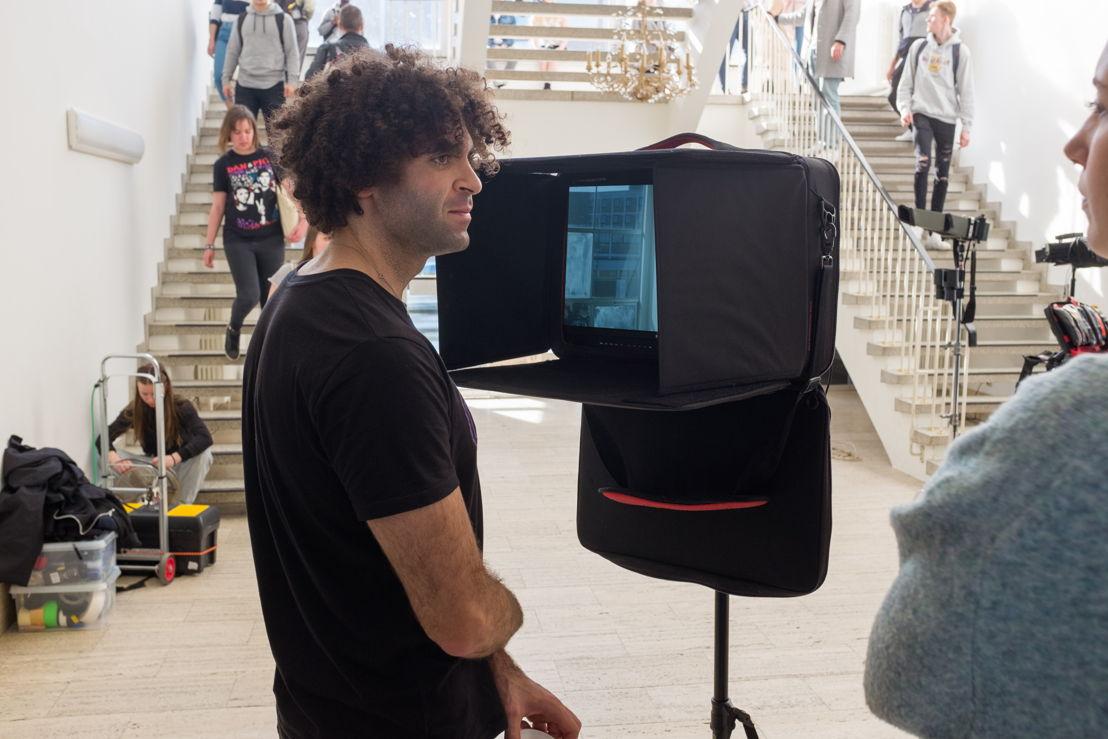 Achter de schermen: opnames videoclip 'Let you go' (c) VRT