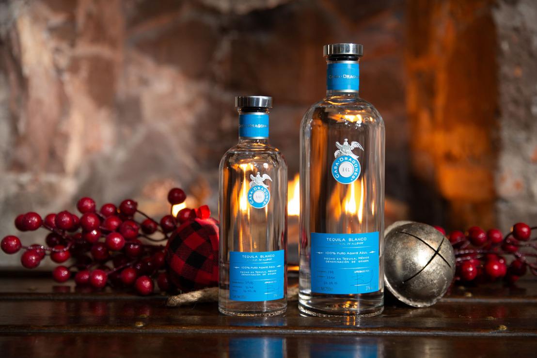 Celebra las fiestas de este fin de año junto a la edición navideña limitada de Tequila Casa Dragones Blanco
