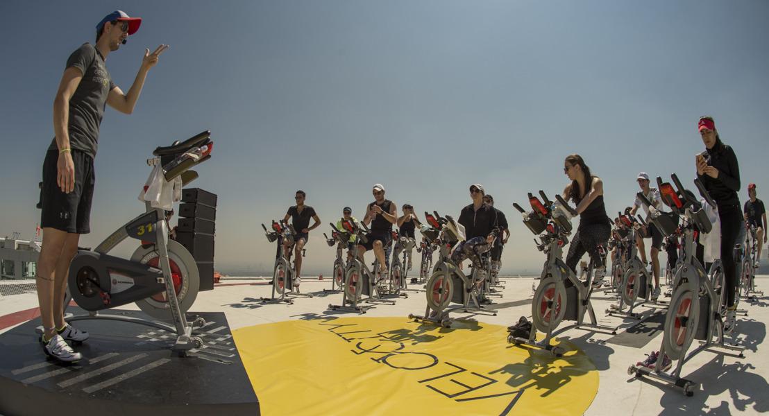 Fitness de altura con Studio Velocity y ShowMatch™ DeltaQ™ de Bose Profesional