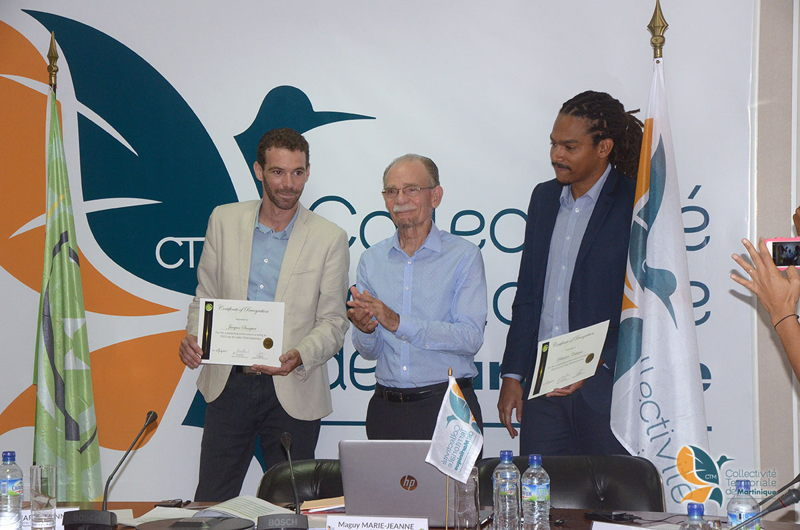 President of the Collectivity of Martinique Alfred Marie-Jeanne with Jacques Sanquer and Sébastien Célestine, 2 winners from Martinique. © Collectivity of Martinique.