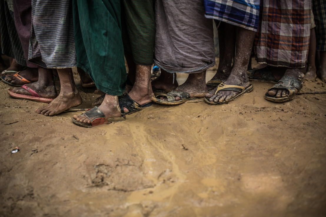With the arrival of the rainy season, Rohingya refugees are once again in a situation of extreme vulnerability with scarce food, lack of drinking water, fragile housing, overcrowding and the risk of floods and landslides. Photographer: Pablo Tosco