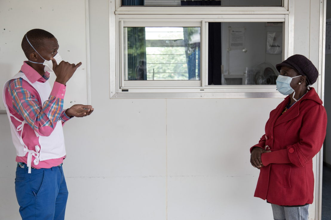Sign language training and TB support in Swaziland. Photographer: Alexis Huguet