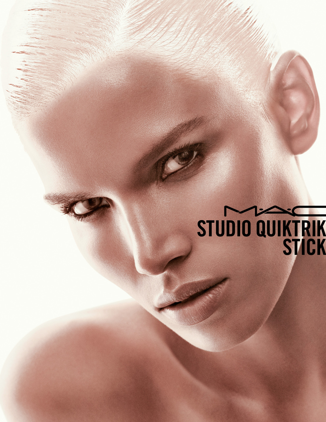 M.A.C Cosmetics - Studio Quicktrick stick