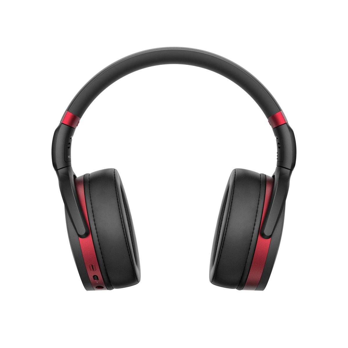 HD 458BT отличаются ярким внешним видом с красными акцентами