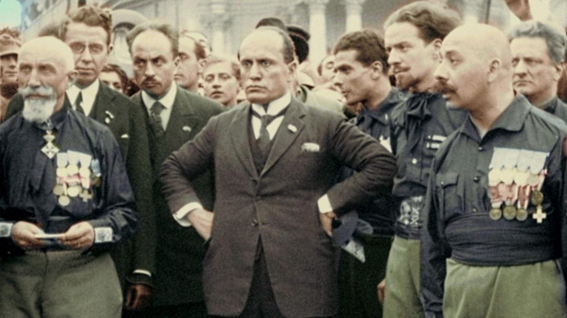 Mussolini tijdens de mars op Rome (1922) - (c) Luce
