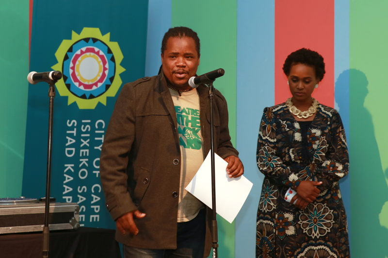 Mhlanguli George collects an award for Theatre in the Backyard at the Cape Town Fringe 2016 - pic Nardus Engelbrecht