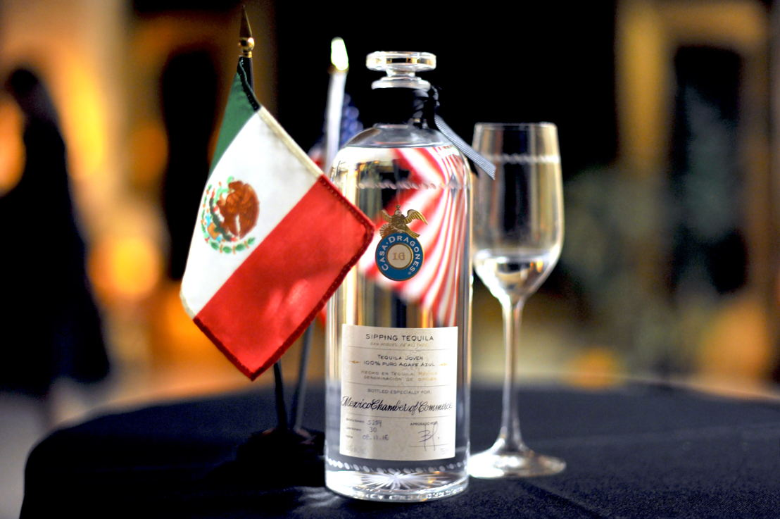 "Tequila Casa Dragones Joven personalizada ""Mexico Chamber of Commerce"""