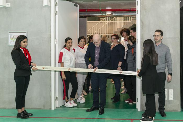 Provinciale sporthal Henleykaai officieel geopend