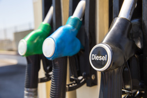 Diesel czy benzyna? Jaki napęd był popularniejszy w 2017 roku