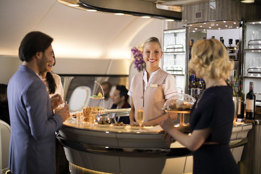 Resultado de imagen para emirates a380 onboard lounge