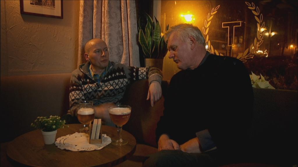 Wilde keuken aflevering 1 - Bier  - Sven en Wouter op café - (c) VRT - NTR