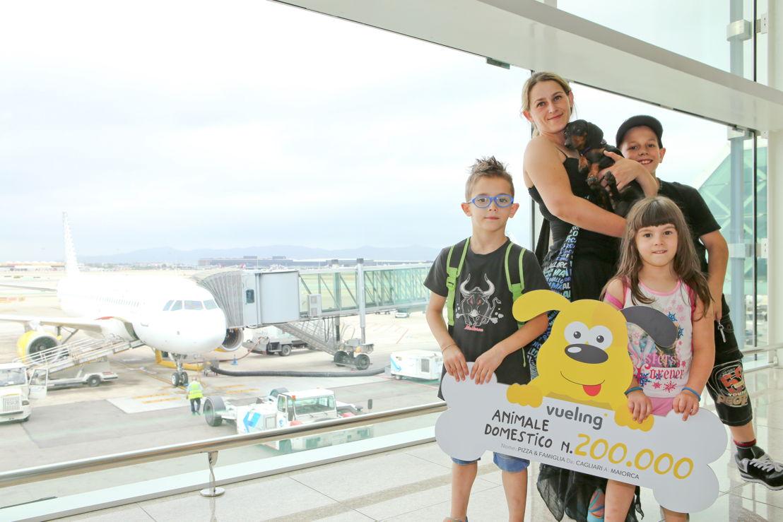 Pizza et sa famille reçoivent leur prix à l'aéroport de Barcelone El Prat