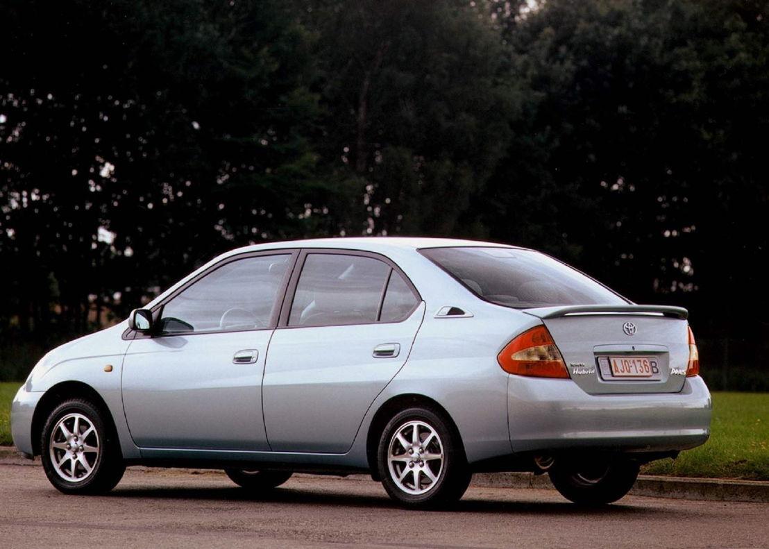 Toyota Prius, 1ière génération 2000