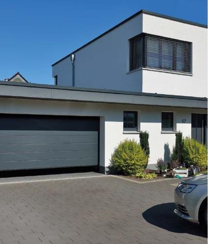 Porte de garage avec une isolation thermique exceptionnelle