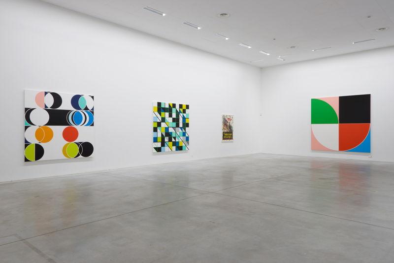 From left to right: Sarah Morris. Total Lunar [Rio] (2014), Cosan [Rio] (2013), Il Coltello Nell'Acqua (2014), Casa das Canoas [Rio], (2013)<br/>(c) Dirk Pauwels
