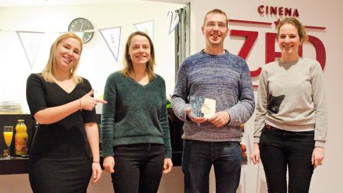 Leuven viert twee jaar UiTPAS met trofee voor Cinema ZED