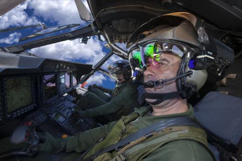 NHIndustries choisit le casque TopOwl de Thales pour les pilotes des NH90 des Forces Spéciales