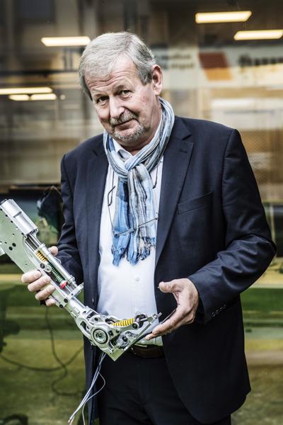 Preview: Professor en ingenieur Dirk Lefeber (VUB) gelauwerd voor jarenlang onderzoek naar prothesen