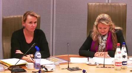 Vlaams minister Liesbeth Homans en commissievoorzitter Mercedes Van Volcem