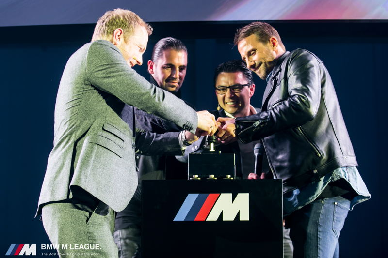 CEO van BMW Group Belux Peter Henrich, Dimitri Vegas, BMW M Marketing Directeur Lothar Schupet en Matthias Schoenaerts