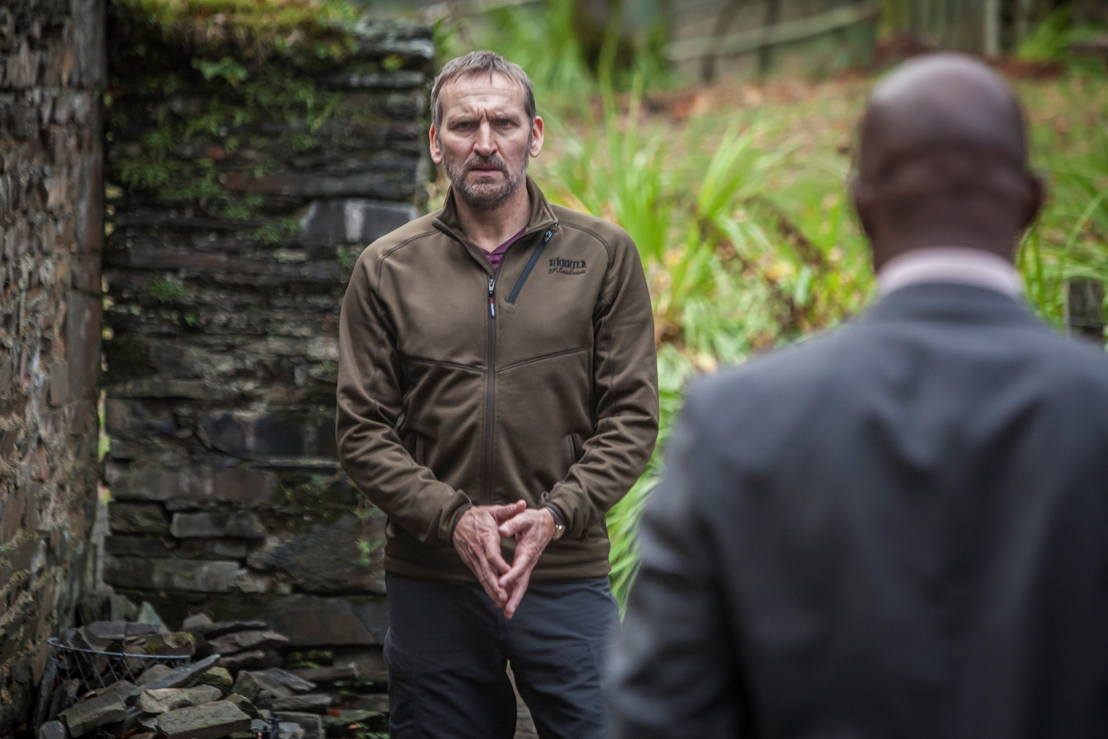 Safe House: Robert (Christopher Ecclestone) en Mark Maxwell (Paterson Joseph) - (c) ITV