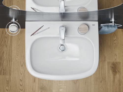 Les Belges aiment se débarbouiller au lavabo et estiment qu'il est gênant de servir de l'eau du robinet à ses convives