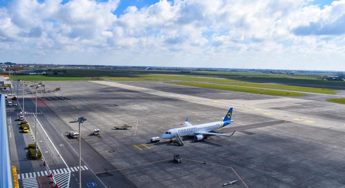 Tijdelijke betoncentrale op luchthavensite