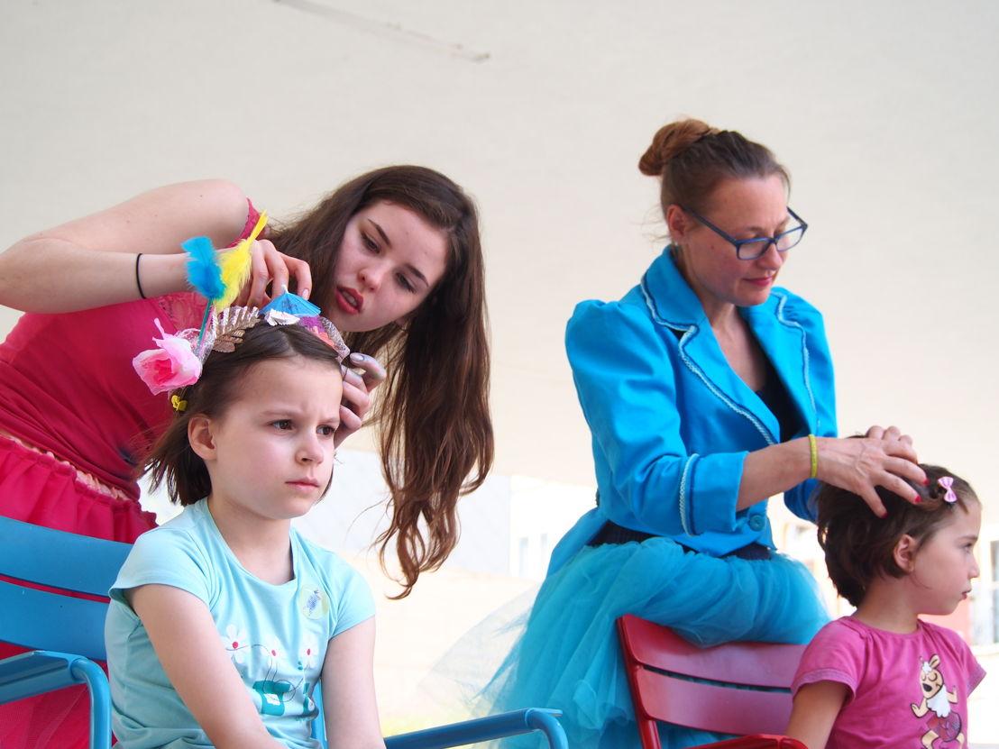 Gekke kapsels maken | Start zomerprogramma in de Museumspelstraat (c) Andy Merregaert
