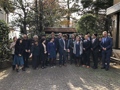 Culturele handelsmissie van Sven Gatz opent deuren voor Vlaamse theatermakers in Tokio
